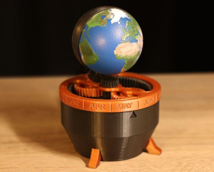 Design of the Week: 3D Printed Earth Clock