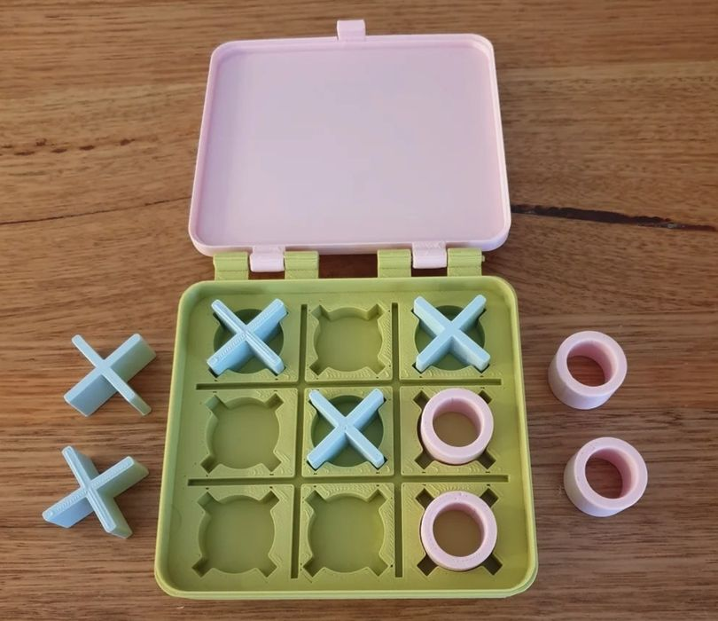 Design of the Week: Tic Tac Toe in a Box